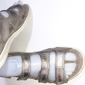 ECCO Silver Leather Sandal Size 36 (US 5 - 5.5 M)
